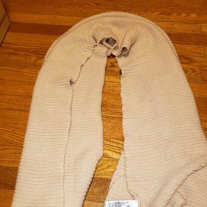 NWT H&M Peachy-Pink Color Scarf!